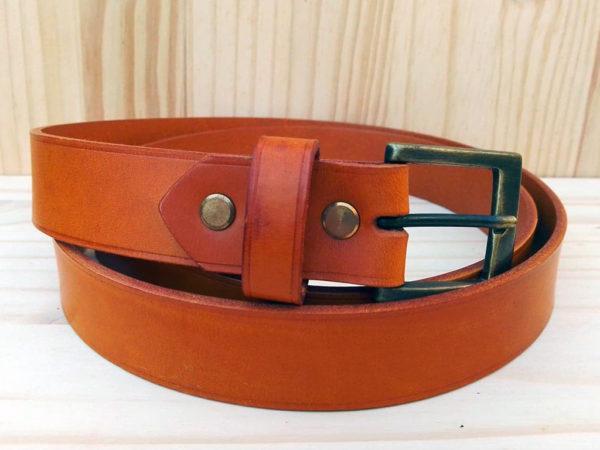 ceinture en cuir safran sans surpiqure de 3 cm de largeur