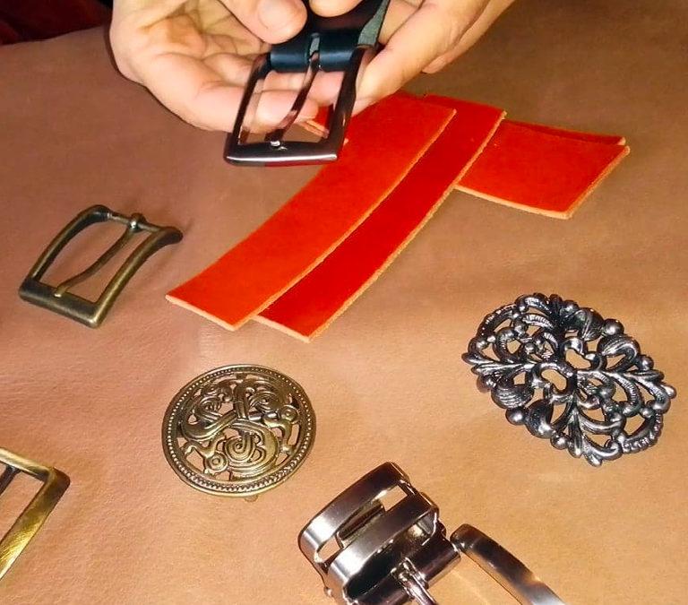 choix d_une boucle pour ceinture en cuir Po&ZYa