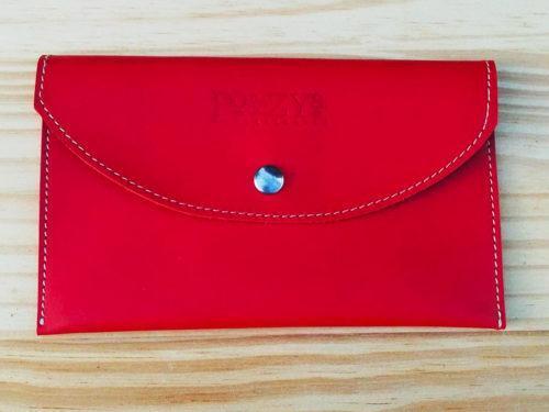 porte-documents en cuir rouge