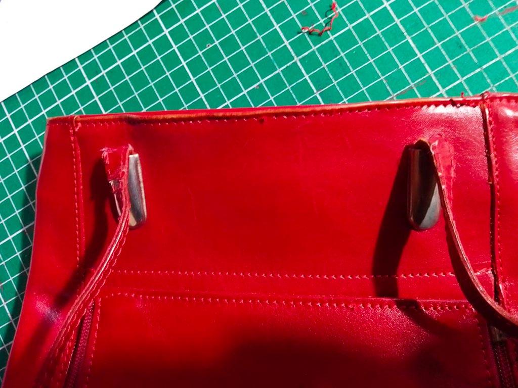le sac avec couture du haut enlevée